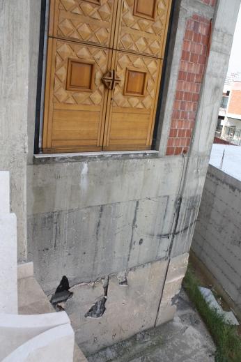 That's not a safe door, guys.